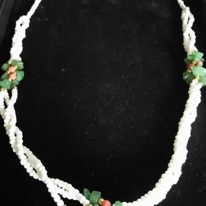 NECKLACE BEADS WHITE ISLAND STYLE VINTAGE